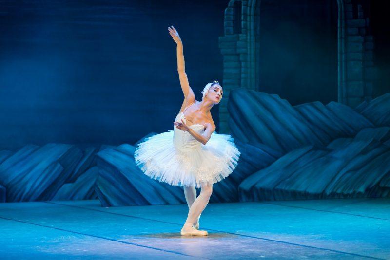 [Entretien] Virée pour cause de grossesse, la danseuse Karline Marion l'emporte et sort du silence