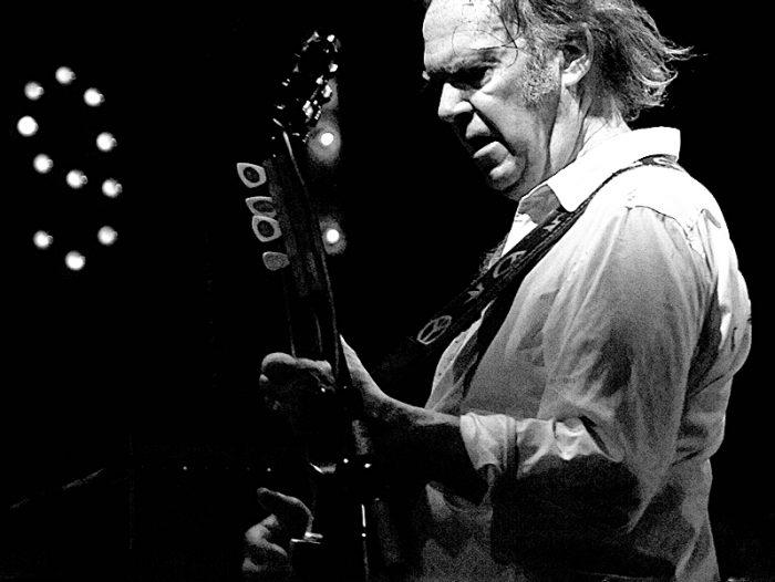 Neil Young met toutes ses archives en ligne, à disposition du monde entier