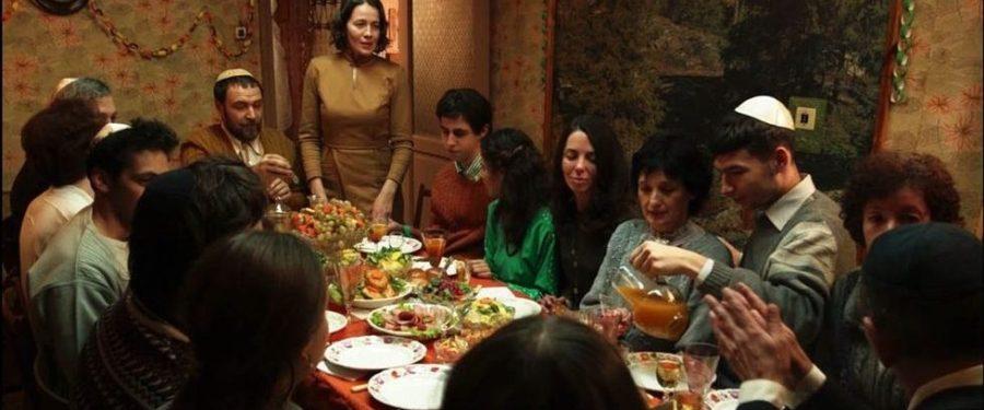 Tesnota. Une vie à l'étroit, film de Kantemir Balagov, avec Darya Zhovner, Veniamin Kats
