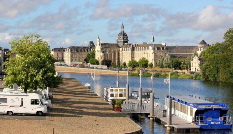 Mayenne – Le Carré, scène nationale et centre d'art contemporain, recrute un administrateur (f/h)
