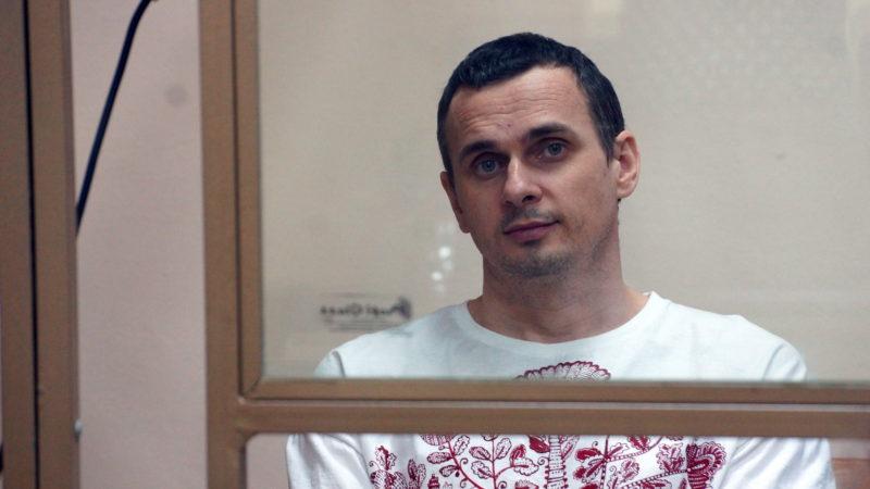 Appels de cinéastes et intellectuels français en faveur du cinéaste Sentsov, avant la venue de Macron en Russie
