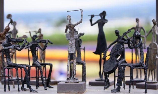Hérault: fêtes votives menacées, orchestres de bal en danger
