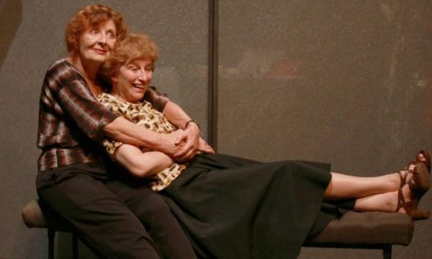 «De si tendres liens»: le face à face totalisant d'une mère et sa fille par Loleh Bellon
