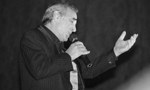 Hommage national à Charles Aznavour aujourd'hui à 10h aux Invalides