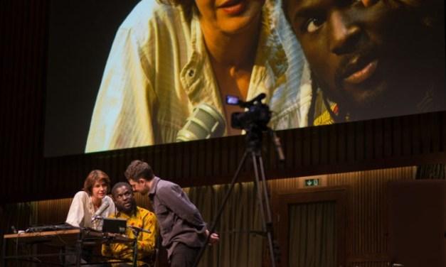 """""""Retour à Reims"""": Thomas Ostermeier réinvente le théâtre politique pour réinventer la politique"""