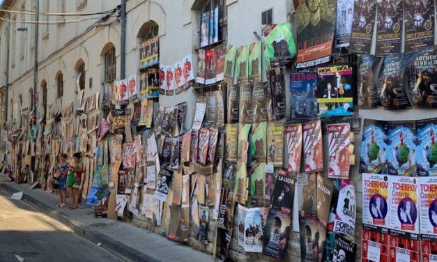 Festival Off d'Avignon: vers l'interdiction de tout affichage?