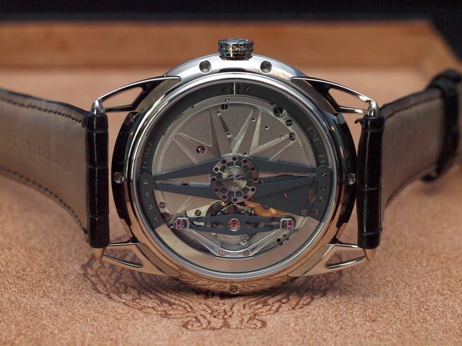 De-Bethune-DB22-caseback-close-up.jpg