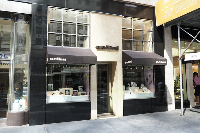 Cellini Jewelers is an independent watch store with an excellent selection of brands. Located in 52nd and 53rd on Madison Avenue. (509 Madison Ave)