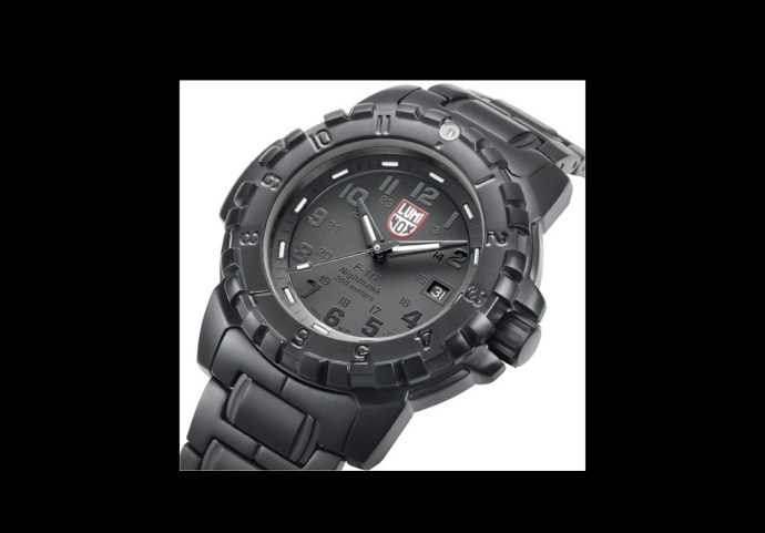 Luminox BlackOut Stealth F-117 Nighthawk