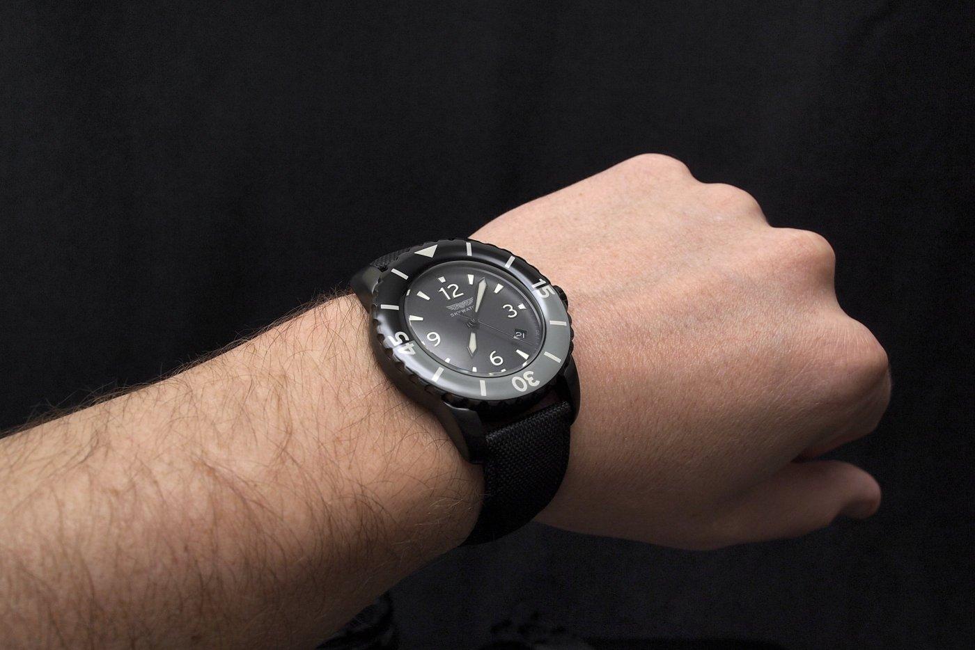 Skywatch 3-hand