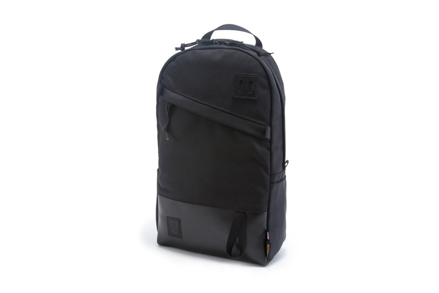 Topo Black Daypack