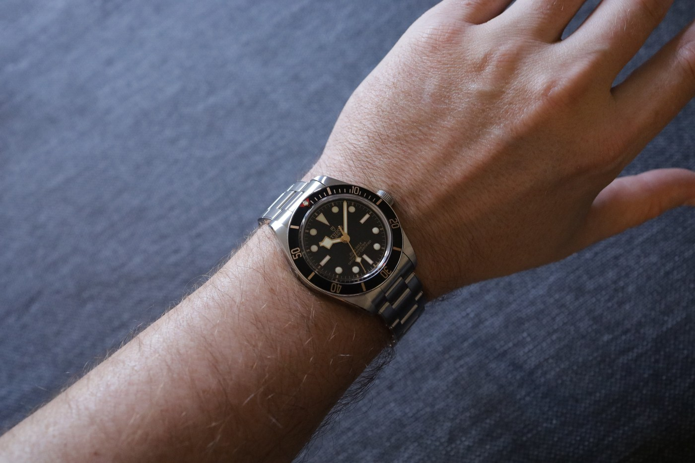 Black Bay 59 wristshot with t-shirt