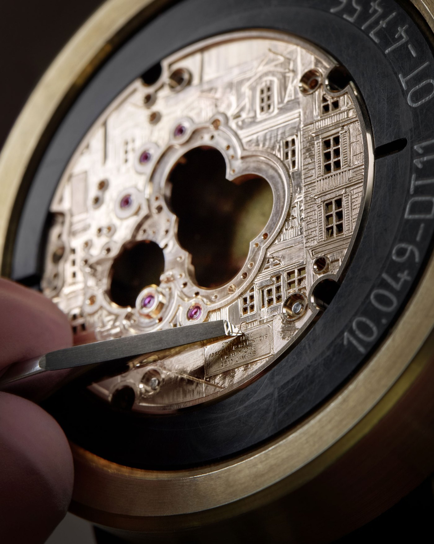 Breguet Classique Double Tourbillon 5345 Quai de l'Horloge hand engraving mainplate