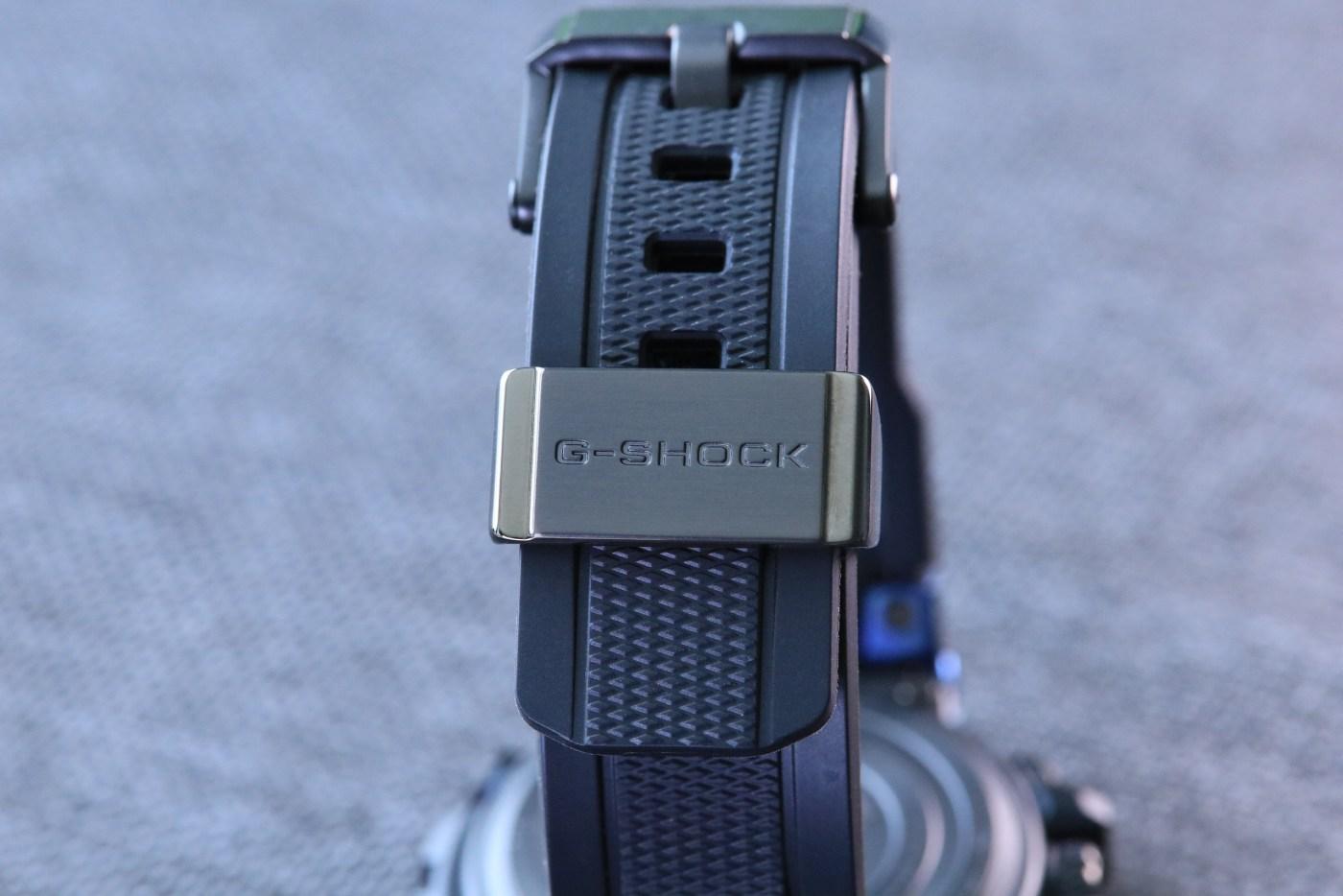 G-Shock MT-G Carbon Fiber MTGB1000XB-1A strap detail