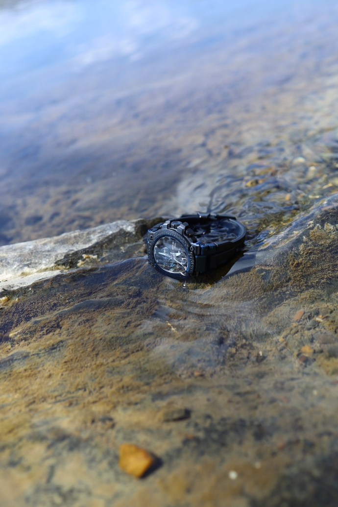 G-Shock MT-G Carbon Fiber MTGB1000XB-1A in water