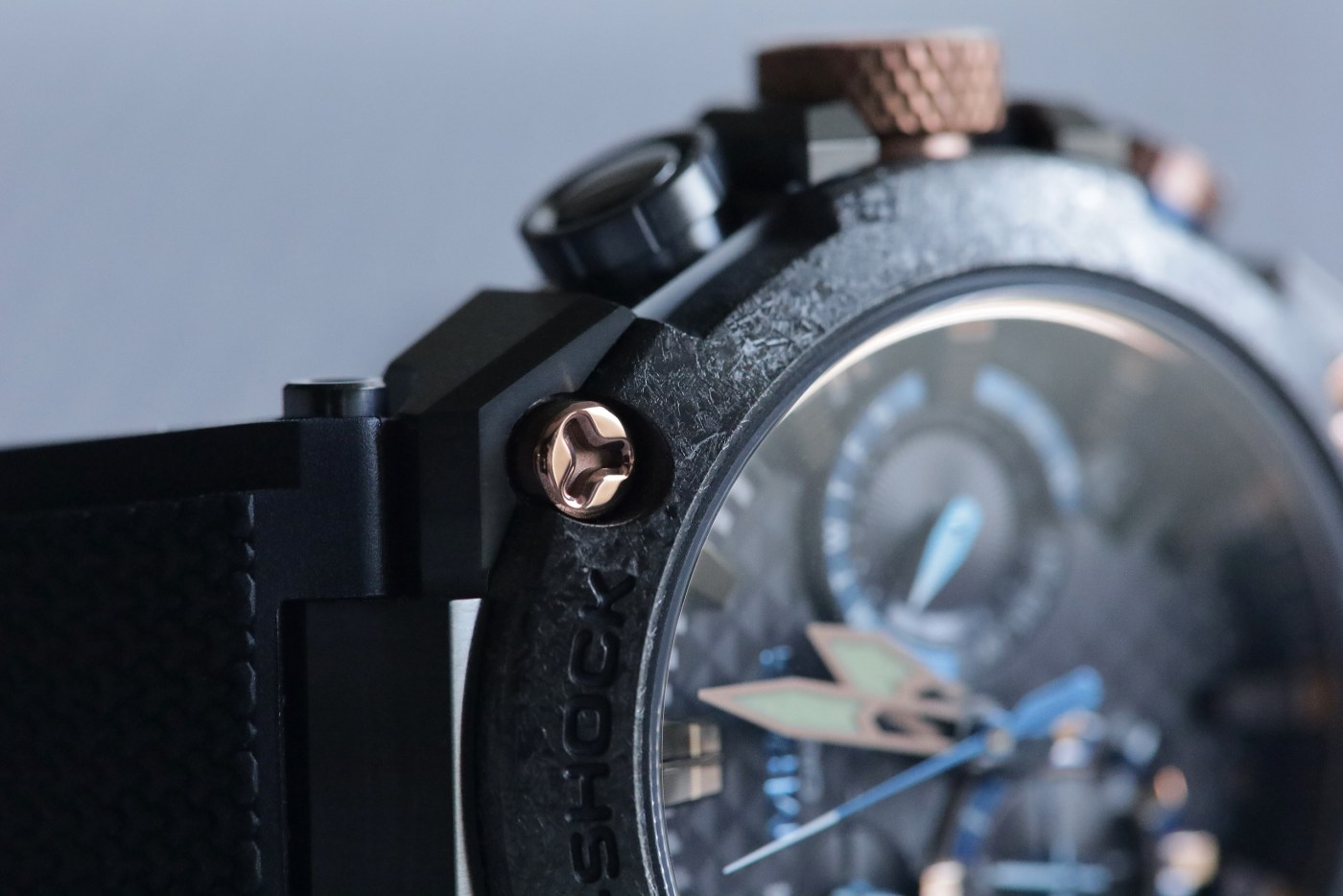 "MR-G 'Kachi-Iro"" MRG2000R-1A case close-up"