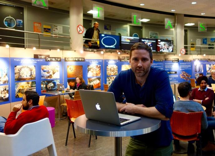 Christian Ohm möter oss i kafeterian i byggnad 40 inne på CERN-området