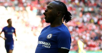 Chelsea squad are like 'brothers' and have no fear of Manchester City, says Victor Moses