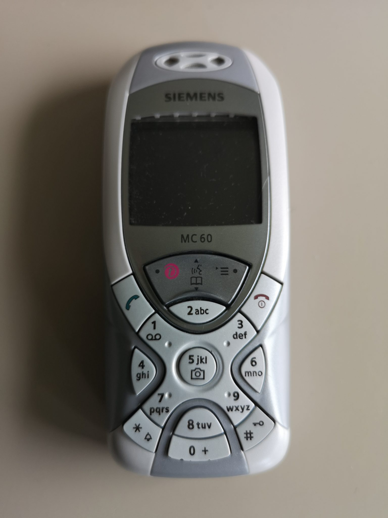 Siemens MC60 Mobile Phone Review - Retro Mobile Phone with Innovative Keypad