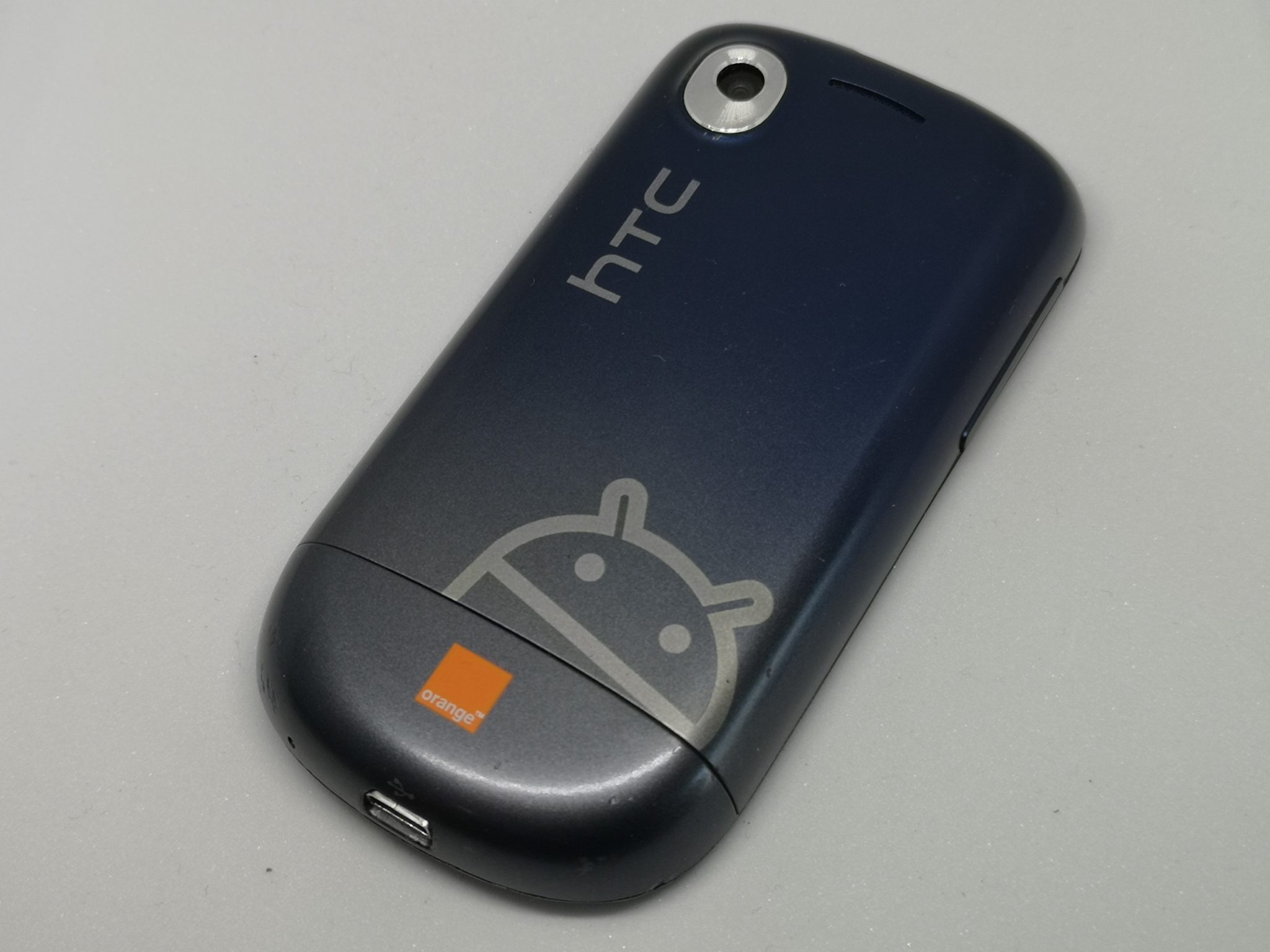 HTC Tattoo Review - Classic Android Handset with Small Screen