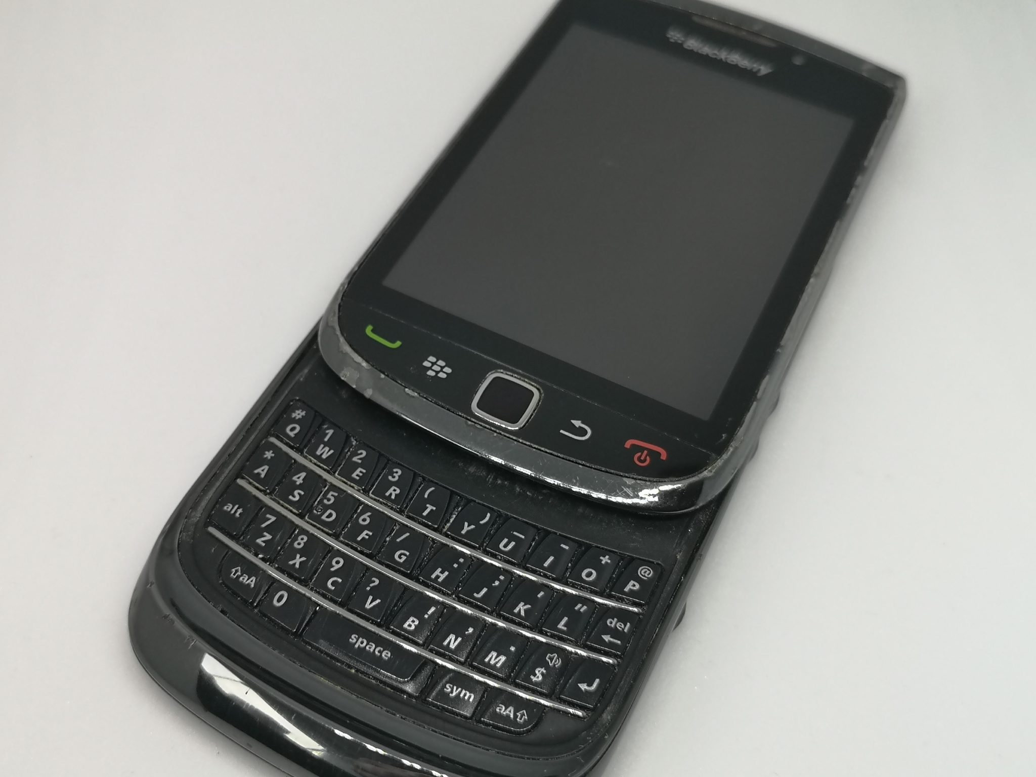 Blackberry Torch 9800 Vintage Mobile Phone Review - Keypad and Touch Combine