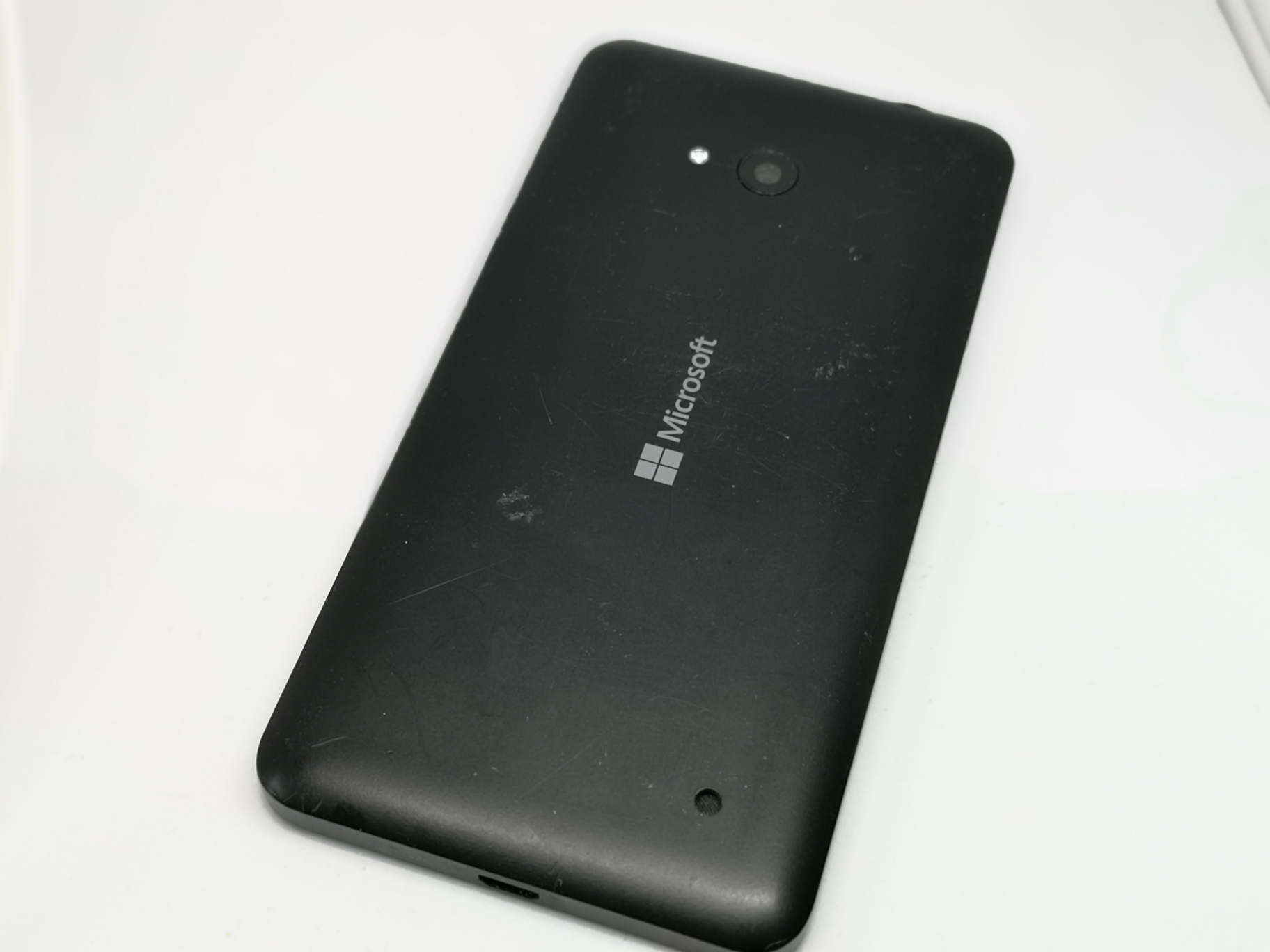 Microsoft Lumia 640 Review: 5 Inch Mobile Phone