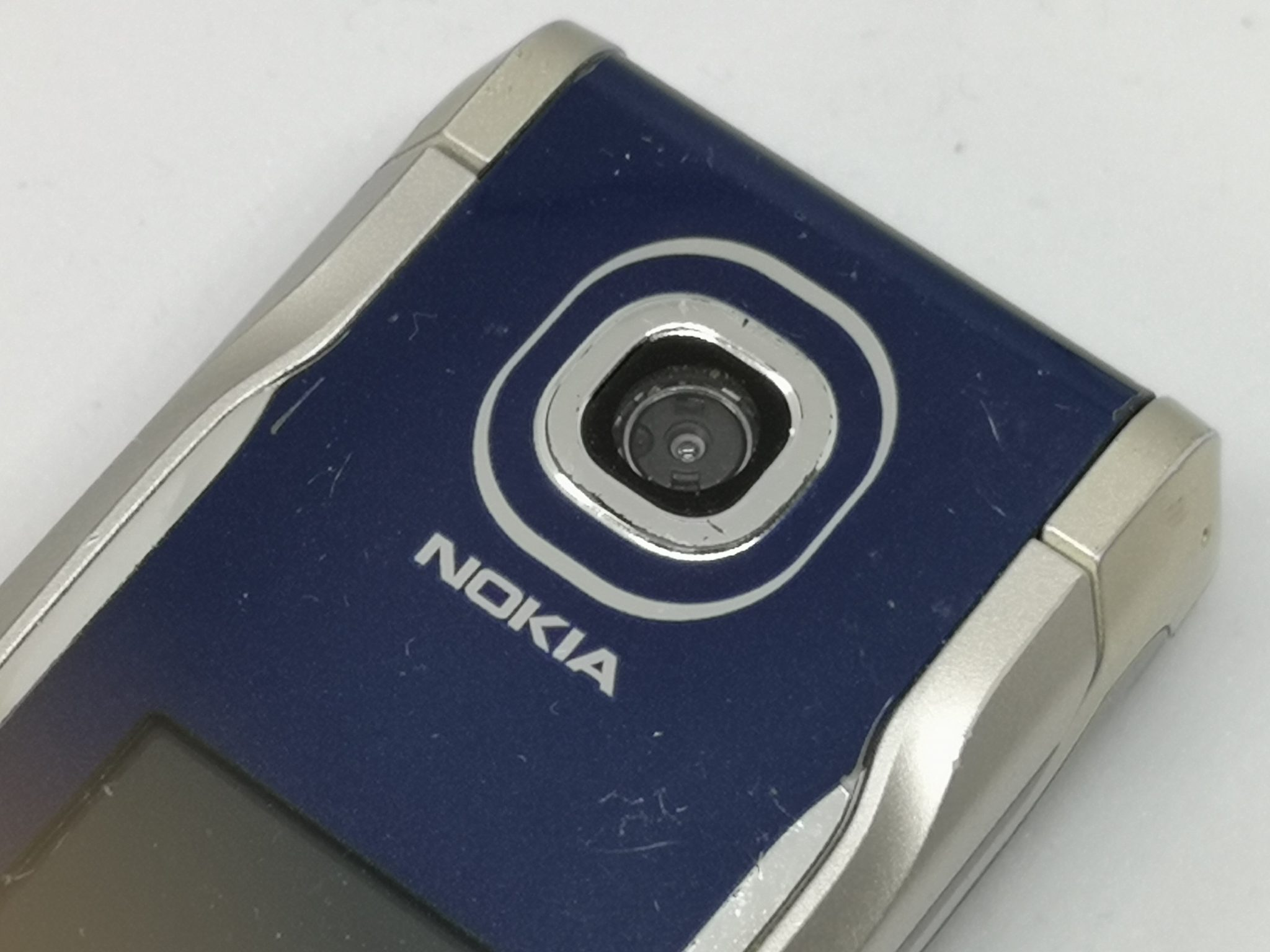 Nokia 2760 Review: Mid Range Flip Mobile Phone