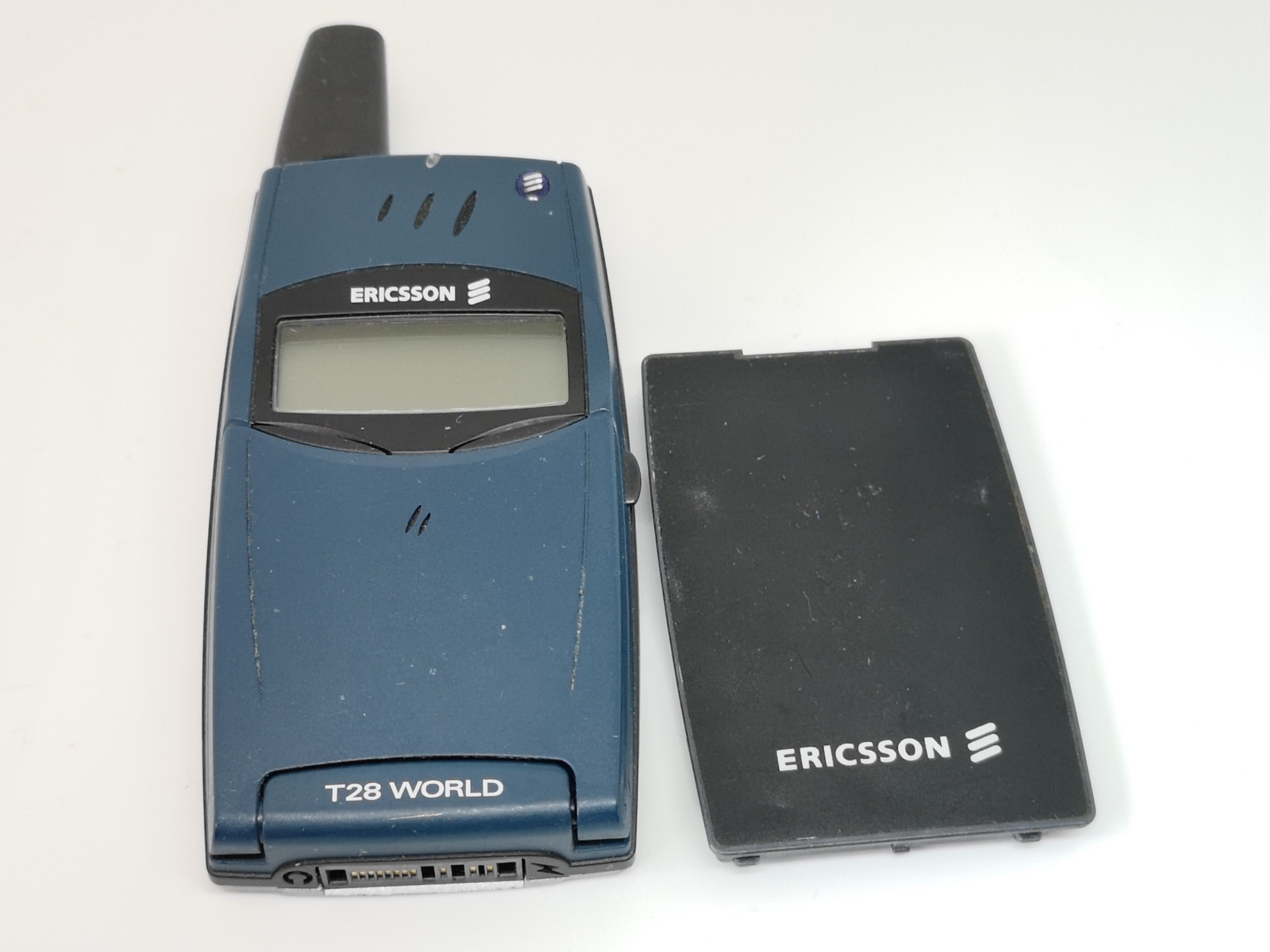 Ericsson T28s Review - Iconic Flip Mobile Phone Handset