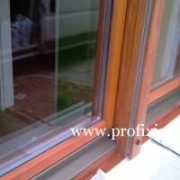 Fa ablak alumínium esővetővel