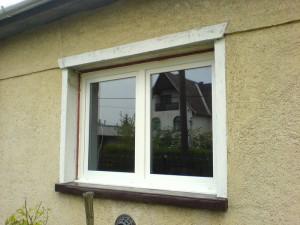 Tokosztós bukó-nyíló ablak