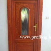 fa bejárati ajtó íves üveggel
