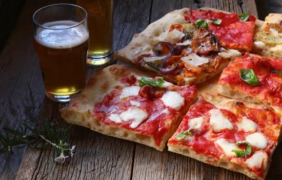 Pizza alla pala alla romana – alveolata e scrocchiarella