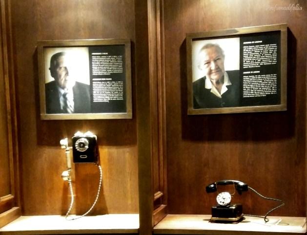 Qui puoi alzare il telefono ed ascoltare le testimonianze delle persone in foto