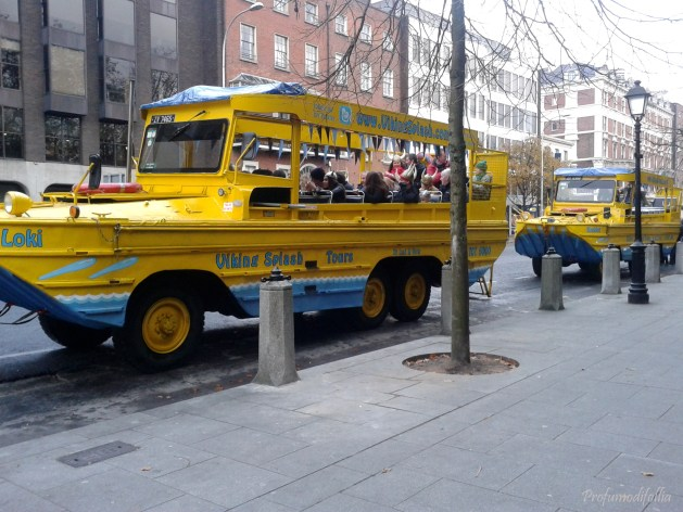 I bus banana della Viking Splash Tour