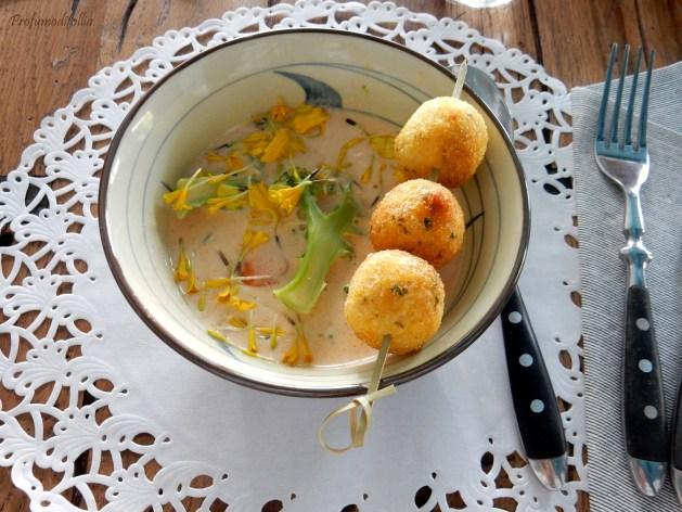 Zuppa di latte di cocco e polpette di miglio