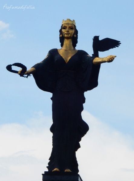 24 ore a Sofia statua di Sofia