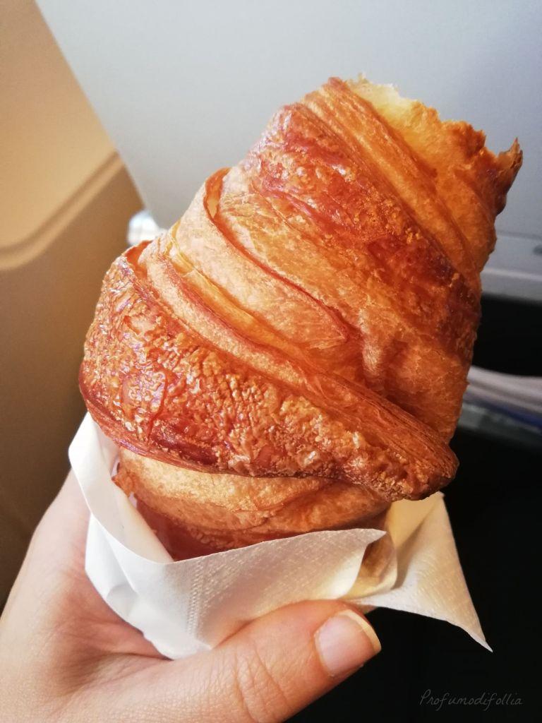 Volare con Air France: foto della brioche che ho mangiato in aereo