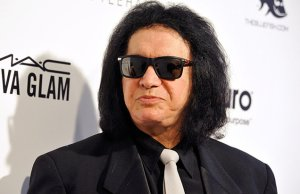 "KISS' GENE SIMMONS About Piracy: ""It Doesn't Affect Me, I'm a Rich Bastard, I Do Well"""