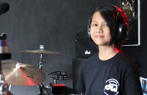 "Video: RUSH's ""YYZ"" Drum Cover by 12 Year Old Indonesian Girl"