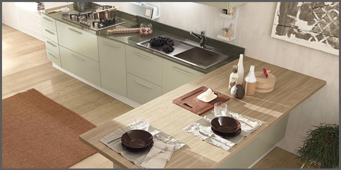 Immagini Cucine Con Penisola Cucina In Acciaio A Parete