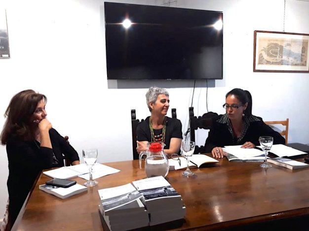 Nicoletta Frosini (a sinistra) e Barbara Colli (a destra) con Grazia Galli