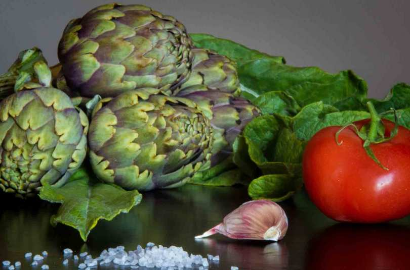 Côtelette de veau, artichaut et tomates cerises