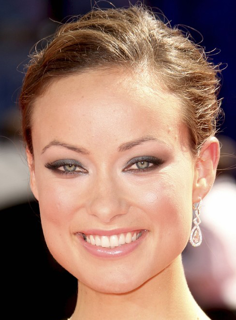 Olivia Wildes High Updo Bun Hairstyle At Emmy Awards 2009