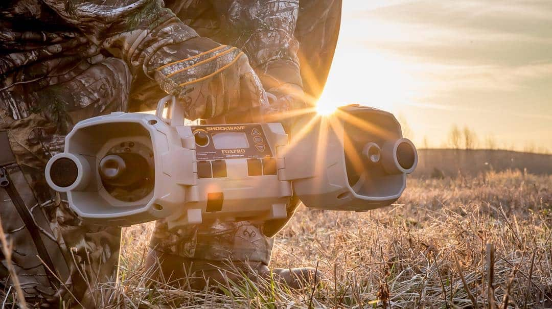 Best Coyote Calls Reviews - Electronic Coyote Calls - proHuntingHacks