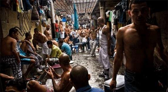 Hacinamiento en las prisiones de Venezuela