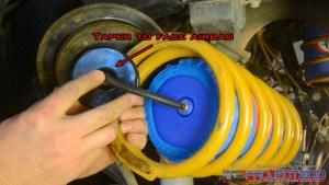 Orientate air line in airbag