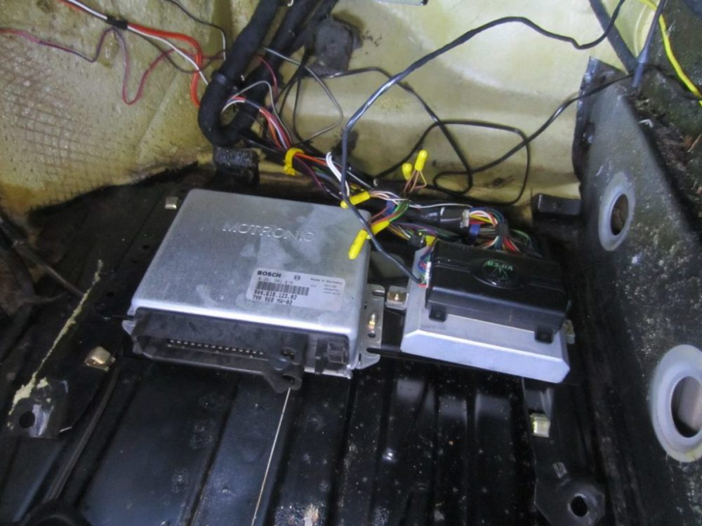 medium resolution of footwell dme and alarm mounting assembly