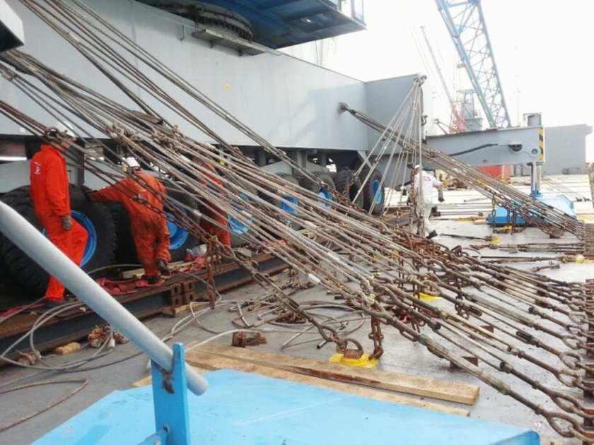 Lashing for a 520 ton crane