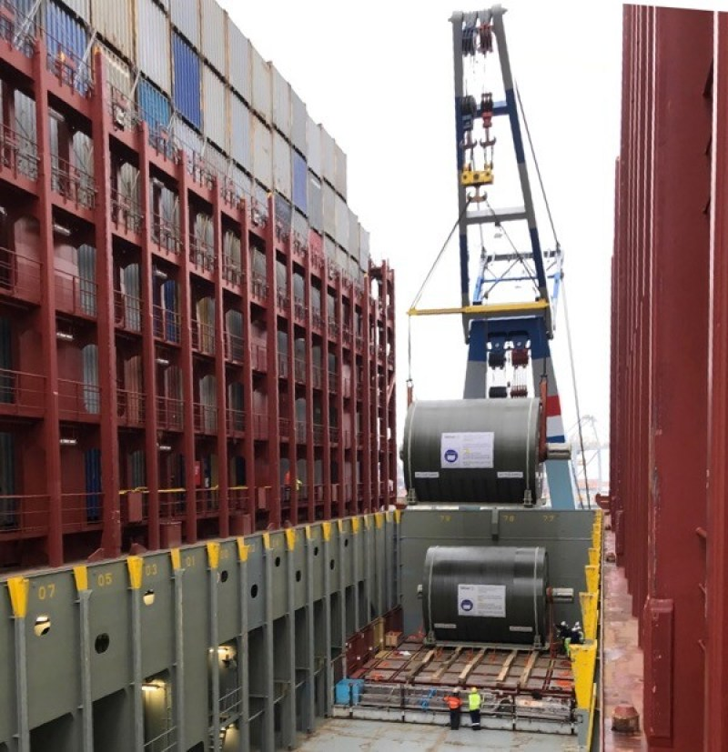 2 yankee cylinders with dimensions 896 x 562 x 572 cm / 146 mt Shipped from Sweden via Rotterdam to Shanghai onboard mv Munich Maersk, a 20,500 TEU behemoth. Credit: Martin Bencher Group http://www.martin-bencher.com