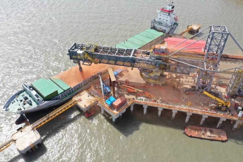 Assembled barge loader